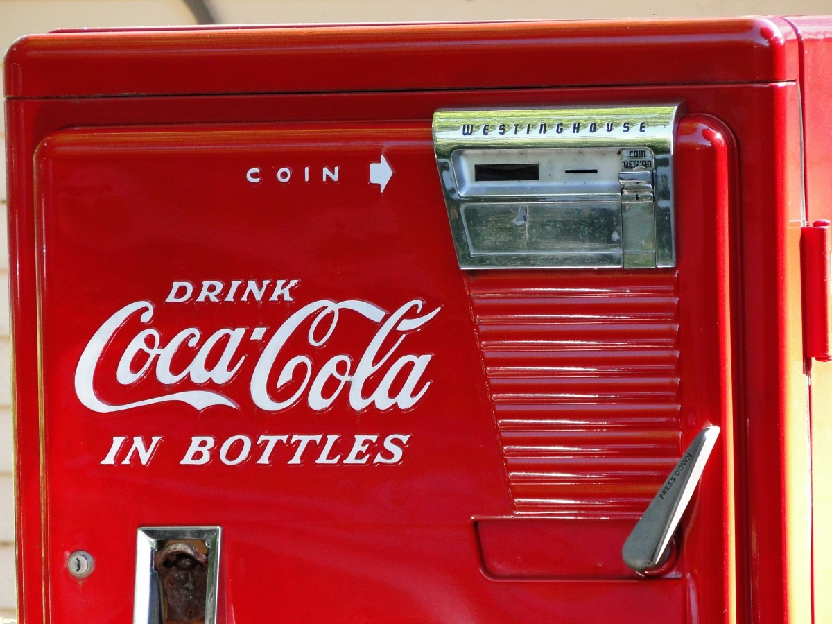 vintage_coke_machine_red_old_retro_classic_coca_cola-995917-1.jpg!d